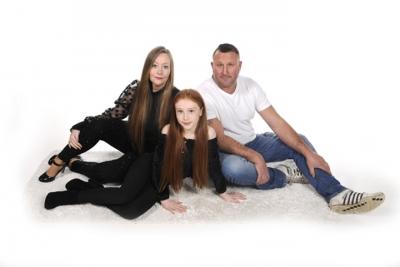Linda Holroyd and family